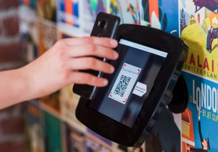 touchless kiosk QR code